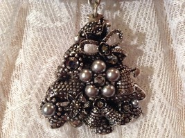 Decorated Tree Shaped Scarf Pendant Bells Stars Flowers Silver Crystals Beads image 6