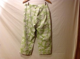 Denim & Co. Womans Green Capris, Size 12 w hibisicus flowers image 2