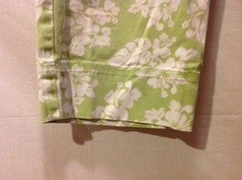 Denim & Co. Womans Green Capris, Size 12 w hibisicus flowers image 5