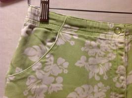 Denim & Co. Womans Green Capris, Size 12 w hibisicus flowers image 7