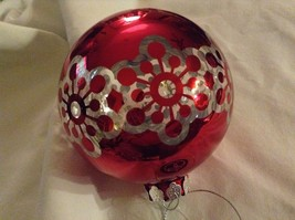 Department 56 red silver filigree snowflake vintage type Glass Holiday Ornament image 6