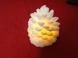 Electronic battery powered LED glow white snowflake candle w timer setting AA image 4