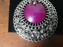 Elegant Large Round Purple Stone Small Violet Crystals Scarf Pendant Silver Tone image 3