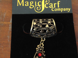 Elegant Gold Tone Star Shaped with Red Crystals Scarf Pendant by Magic Scarf image 3