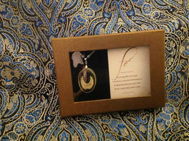 Faith Spanish Fe faith angel wings pendant w saying in  Espanol w gift box image 2