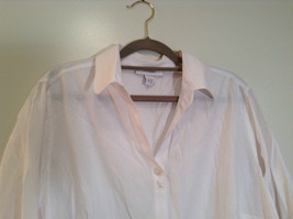 Dressbarn White Button Up Front Shirt Three Quarter Length Sleeves Size 14 to 16 image 3