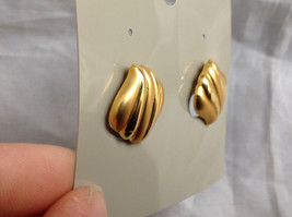 Gold Tone Wavy Design Stud Earrings Gold is Both Shiny and Matte in Design image 4