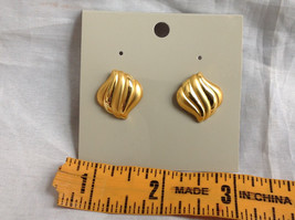 Gold Tone Wavy Design Stud Earrings Gold is Both Shiny and Matte in Design image 8