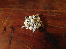 Flower Shape Brooch with Many Crystals and Faux Pearls image 2