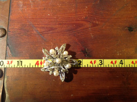 Flower Shape Brooch with Many Crystals and Faux Pearls image 6