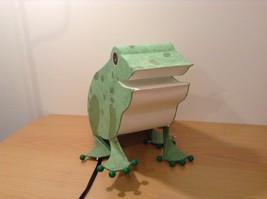 Green paper frog night light  image 4