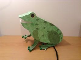Green paper frog night light  image 2