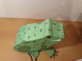 Green paper frog night light  image 6
