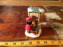 Hallmark Keepsake Christmas Window 2006 Handcrafted Ornament Collectable image 7