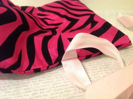 Handmade by Caroline Hallak Personal Touch Gift Bag Fuchsia Pink Black Velvet image 6