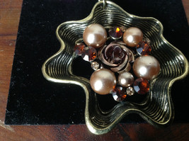 Gorgeous Gold Tone Flower Shaped Scarf Pendant Amber Crystals and Beige Beads image 4
