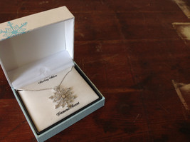 Gorgeous Sterling Silver Diamond Accent Snowflake Necklace Chain 18 Inches NIB image 8