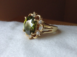 Green CZ with White CZ Petal Like Design Gold Plated Ring Size 8 image 8