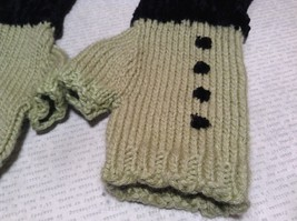 Green Black Fuzzy Woven Gloves Fingerless Very Soft Black Portion Hand Knitted image 2