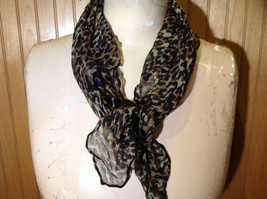 Green Tinted Leopard Print Square Fashion Scarf Light Weight Material NO TAG image 5