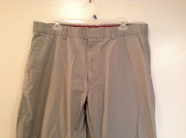 Khaki 100 Percent Cotton Axist Modern Fit Casual Pants Size 36 by 32 image 3
