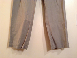 Khaki 100 Percent Cotton Axist Modern Fit Casual Pants Size 36 by 32 image 5