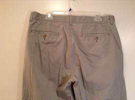 Khaki 100 Percent Cotton Axist Modern Fit Casual Pants Size 36 by 32 image 6