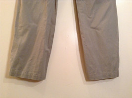 Khaki 100 Percent Cotton Axist Modern Fit Casual Pants Size 36 by 32 image 8