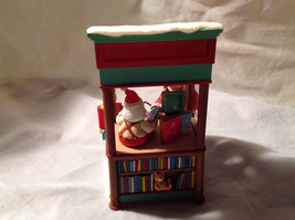 Hallmark Kringle's Korner Christmas Windows 2008 Keepsake Series Original Box image 4