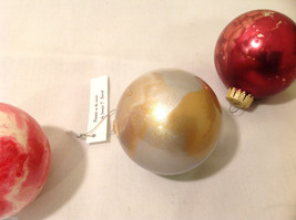 Hand Painted Holiday Christmas 2 Inside Painted Glass Ball Ornaments 3 pieces image 6