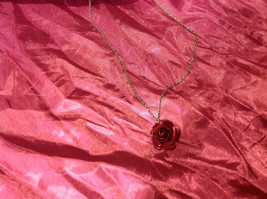 Lovely7 inch necklace with rose image 3