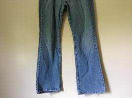 Low Boot Cut Levis Jeans Size 10 Medium Front and Back Pockets image 3