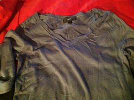 Istenssio Long Sleeve Gray V-Neck Sweater Size Medium image 4