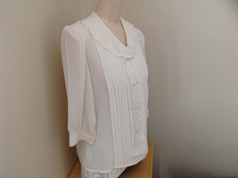 Karen Scott Cream Lace Collared Pleated Design Chiffon Top Made in Korea Size 10 image 2