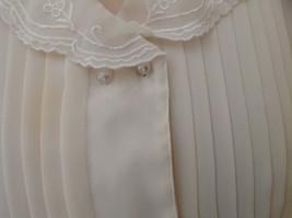 Karen Scott Cream Lace Collared Pleated Design Chiffon Top Made in Korea Size 10 image 4
