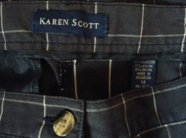 Karen Scott Plaid Dark Blue Soft to Touch Shorts 2 Front Pockets Size 14 image 7