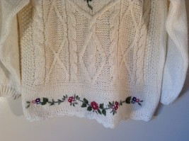 Knitted by Hand Bobbie Brooks White Sweater with Floral Pattern Size Large image 3