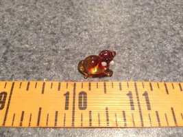 Micro miniature small hand blown red  amber cat lying down   USA  NIB image 7