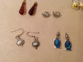 Mixed Lot of 6 pairs of earrings  on screw back vintage image 2