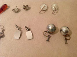 Mixed Lot of 6 pairs of earrings  on screw back vintage image 6
