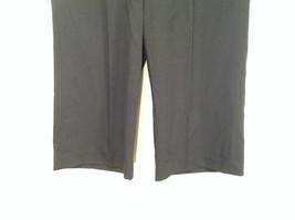 Larry Levine Petite Stretch Size 8P Black Capri Pants Excellent Condition image 2