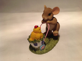 Mouse Pushing Cart Charming Tails Figurine Taking a Stroll with My Cute Chick image 2