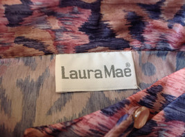 Laura Mae Pink Tan Navy Long Sleeve Button Up Blouse 3 Buttons at Neck Size M image 8