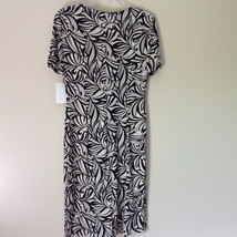 NEW Dress with Tag Black and White Design V Neck Short Sleeves Size 8 image 5