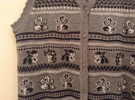 National Gray Vest Leaf Pattern Stripes Knitted V Neck Size 2X Button Closure image 4