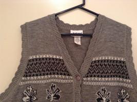 National Gray Vest Leaf Pattern Stripes Knitted V Neck Size 2X Button Closure image 3