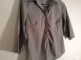 Light Green Three Quarter Length Sleeves Button Front Blouse Size Small At Last image 2