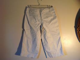 Light Khaki 4 Pocket Capri Pants Zipper Button Clasp Closure Ann Taylor Size 4 image 5