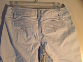 Light Khaki 4 Pocket Capri Pants Zipper Button Clasp Closure Ann Taylor Size 4 image 4