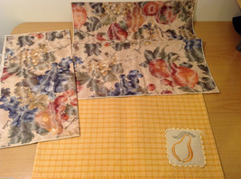 Lot of Mistmatched Tablewear 20 Place Mats 2 Table Runners image 4